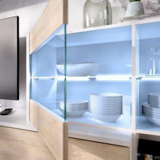 Mueble de salón con Leds Uma, blanco brillo y roble natural, reversible, detalle vitrina y leds, barato. Sayez